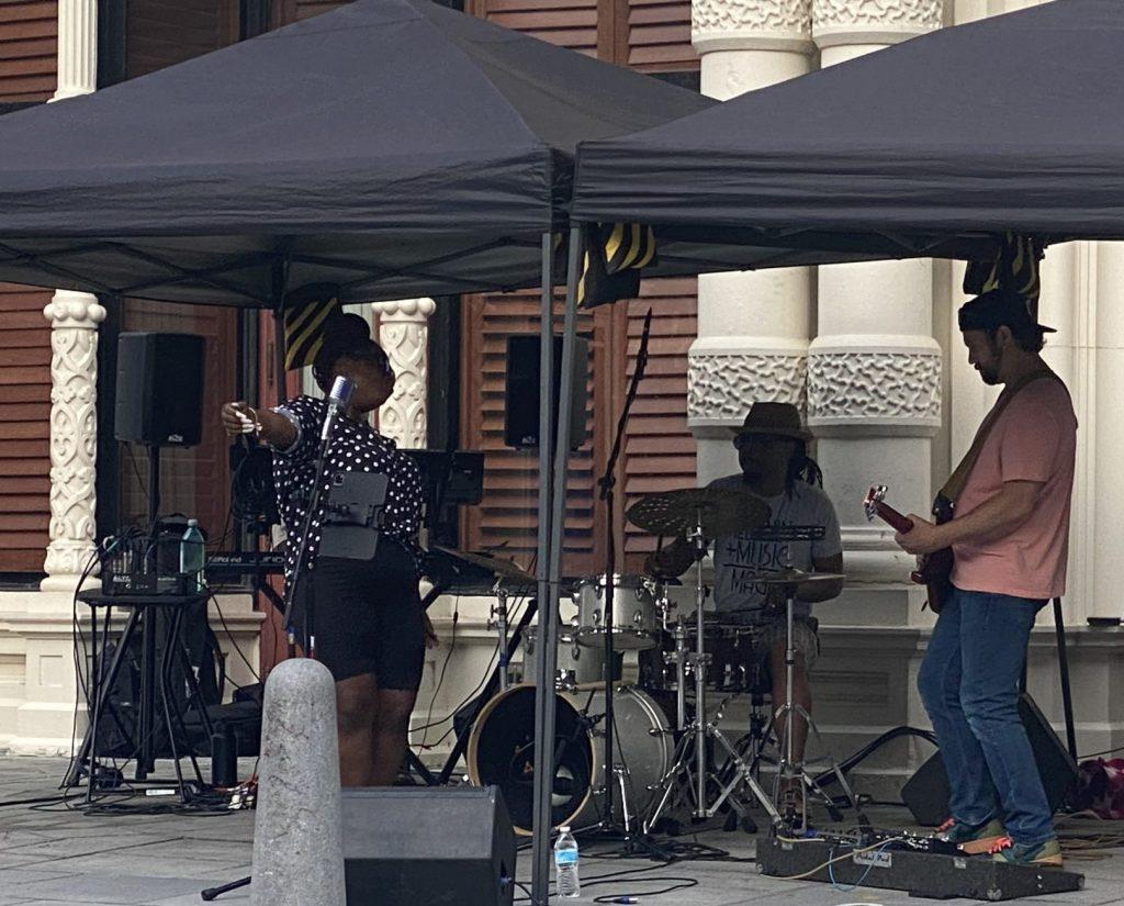 Aziza Nailah and her band